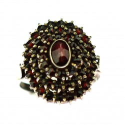 Silver ring with garnets
