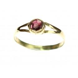 Zlatý prsten s granátem