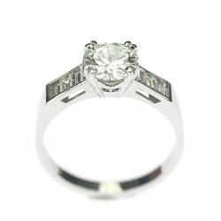 Zlatý prsten s diamanty...