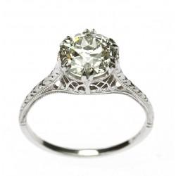 Platinum ring with 2,20 ct...