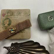 Nedělní radosti 🤍  #antiquescinolter @cinolterantiques  #starozitnosti #maiselova9 #antiqueslover #antiquesforsale #antiquesofinstagram #art #bracelet #gold #antiqueshopping