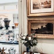 🇨🇿 Přejeme Vám krásný den.  . . .  🇬🇧 We wish you a beautiful day.  . . . . . . . .  #antique #laska #prague #jewelry #cinolterantique #modra #antiques #safir #sapphirre #starozitnosti #sperky #zahrada #sunday #goldsmith #prvnirepublika #prague #igerscz #starozitnesperkyspribehem #prstensesafirem #cinolter