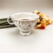 🇨🇿 Ráno dělá den, a káva dělá ráno. Dokonalá káva v dokonalém porcelánu = dokonalý den. 💙 . 🇬🇧 Beautiful Wednesday morning 💙 . . . . . . . #starozitnesperkyspribehem #goodmorning #antiques #misenporcelan #meissen #meissenporcelain #peonies #pinkpeonies #love #happywednesday #morningritual #cupofcoffee #dobrerano #praha #prague #antiques #vaseofpeonies #cinolterantique