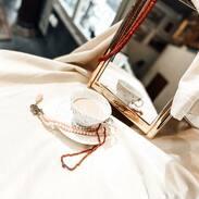 Jsme tu pro Vás i přes víkend a dokonce i v pondělí na státní svátek. Těšíme se na Vaši návštěvu 🖐🏾😍 . . We are here for you over the weekend and even on Mondays on public holidays. We look forward to your visit 🖐🏾😍 . . #cinolterantiques #antiques #seacoral #necklaces #starozitnosti #sperky #gold #instagood #goldsmith #jewelryart #vanityfairvintage #igerscz #antiquescinolter #dobrerano #art #antiquity #praha