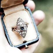 🇨🇿 Prsten vyrobený v 1. čtvrtině 20. století ze žlutého a bílého zlata v korunce zdobený přírodním safírem o váze 0,50 ct a diamanty. . 🇬🇧 A ring made in the first quarter of the 20th century from yellow and white gold in a crown decorated with a natural sapphire weighing 0.50 ct and diamonds. . . . 26 000 Kč / 981 € . . . . . . . #antique #laska #prague #jewelry #cinolterantique #modra #antiques #safir #sapphirre #starozitnosti #sperky #zahrada #jaro2020 #goldsmith #prvnirepublika #prague #igerscz #starozitnesperkyspribehem #prstensesafirem #cinolter