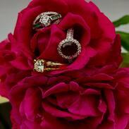 🥀 máme obrovskou radost z nových šperků, a ještě větší radost, že se Vám líbí 🥀   #happy #gemstonejewelry #antiquesforsale #antiques #prague #cinolterantiques #starozitnosti #antiquesandmodern #vintagestyle #vintage #roses #diamonds #ruby #emerald #womanpower #womanstyle