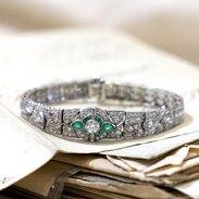 Náramek vyrobený v platině zdobený diamanty, smaragdy a rubíny. . . . Bracelet made of platinum decorated with diamonds, emeralds and rubies. . . 520 000 Kč / 20 000 EUR  . . #bracelet #loveyou #prague #jewelry #cinolterantique #emerald #antiques #emerald #smaragd #starozitnosti #sperky #gold #instagood #goldsmith #jewelryart #vanityfairvintage #igerscz #antiquescinolter #dobrerano #art #antiquity #praha