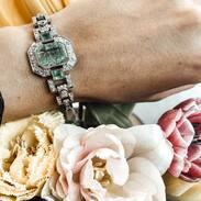 🇨🇿 Art-deco náramek ze 20.-30. let 20. století zdobený sibiřským smaragdem a starobrusnými diamanty. Nádhera, co říkáte? . . 🇬🇧 Art-deco bracelet from the 20s - 30s of the 20th century decorated with Siberian emeralds and old diamonds. . . . #starozitnesperkyspribehem #cinolterantiques #bracelet #artdeco #antique #miluju #emerald #czechgirl #starozitnosti #anniversary #moments #slowfashion #styl #luxury #zelena #igelifecz #dekuju #cartierlove #meetoo #den #antiques #tripadvisor #pragueshopping #letime #instagood #instagood #leto #igerscz #leto