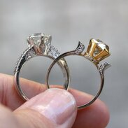 🇨🇿 Korunky prstenů inspirované přírodou... . . .  🇬🇧 Rings crowns inspired by nature ... . . . . . . . . #starozitnesperkyspribehem #zari #prague #jewelry #cinolterantique #nature #antiques #priroda #diamant #starozitnosti #sperky #instagood #goldsmith #zasnuby #vanityfairvintage #igerscz #antiquescinolter #cinolter #laska