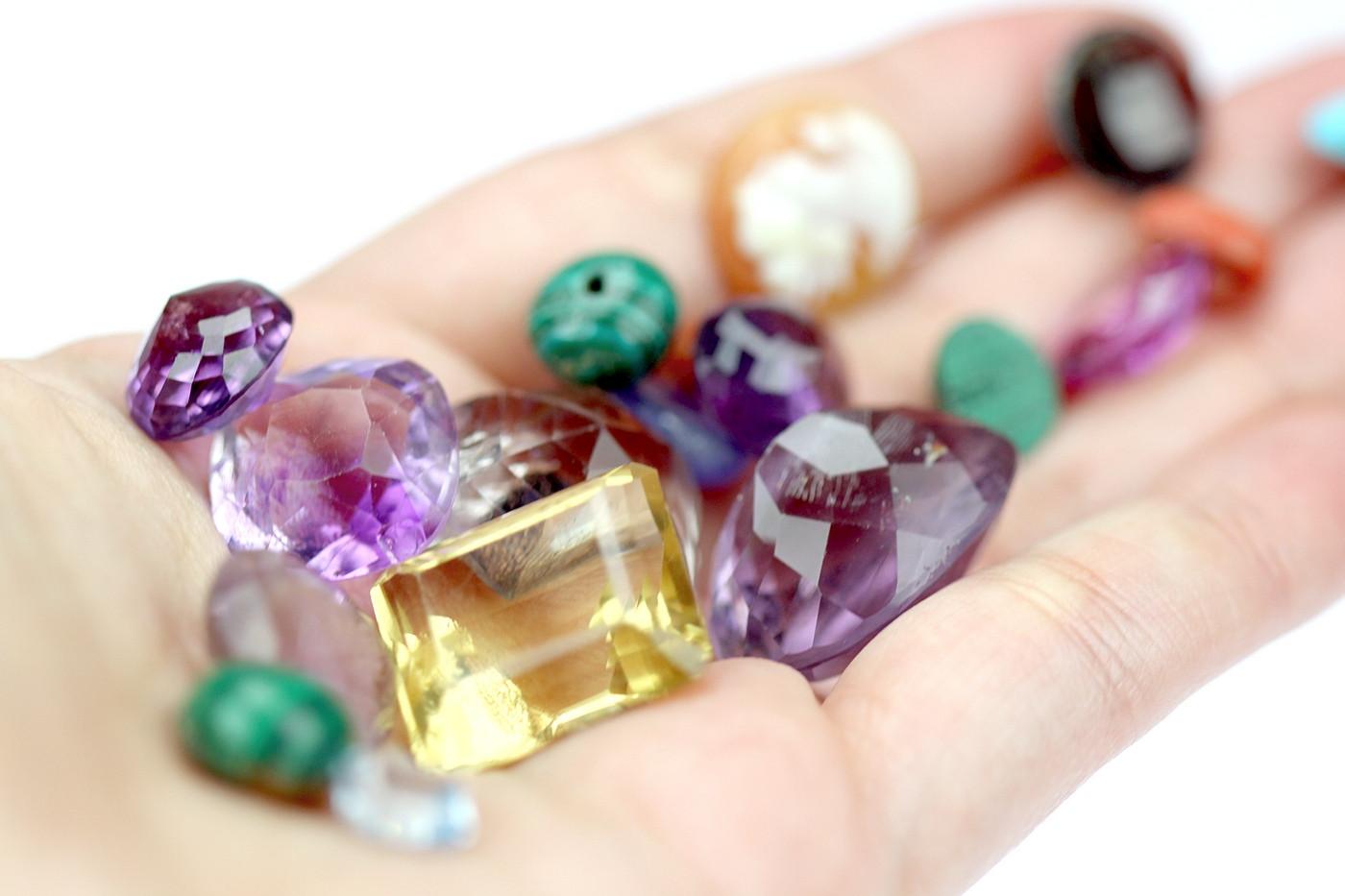 Drahokamy, polodrahokamy, nebo drahé kameny?